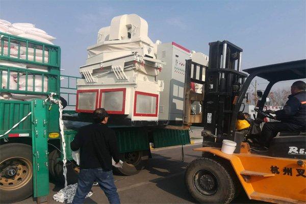 广东用户铜米机装车发货现场