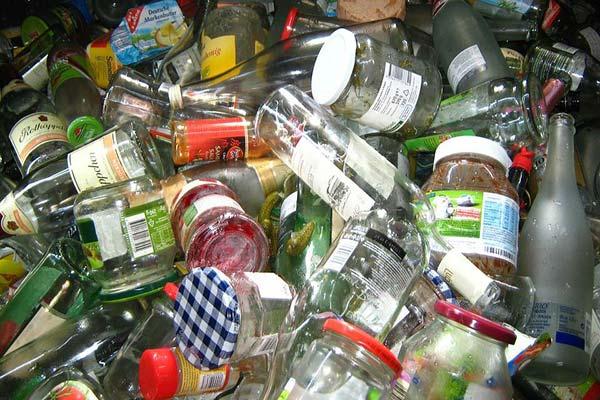 废旧玻璃瓶